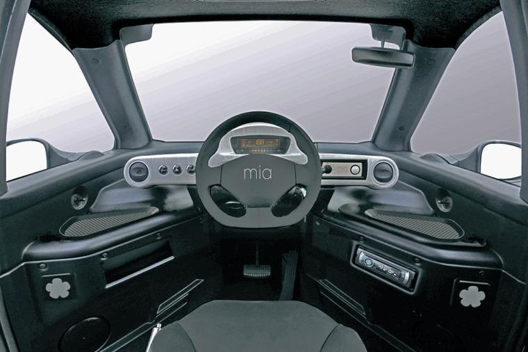 Mia-Elektroauto-1200x800-7bbed92a8bc6a3fb